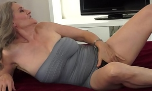 Bigtit belle gobbles hairypussy be useful to of age